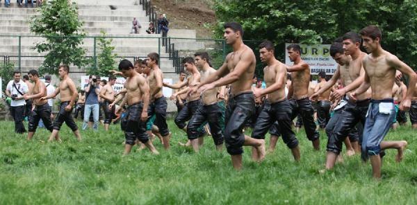 Çali Yağlı Güreşlerinde Başpehlivan İsmail Balaban
