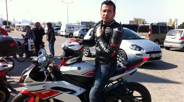 Çalinti Motosikletle Gelip Yenisini Çaldi