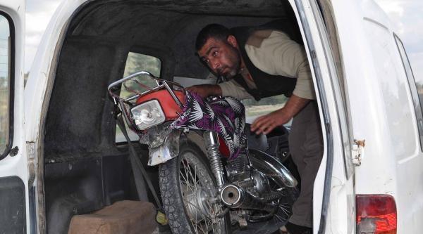 Çalinti Motosikletle Yakalandı, Gözaltına Alındı