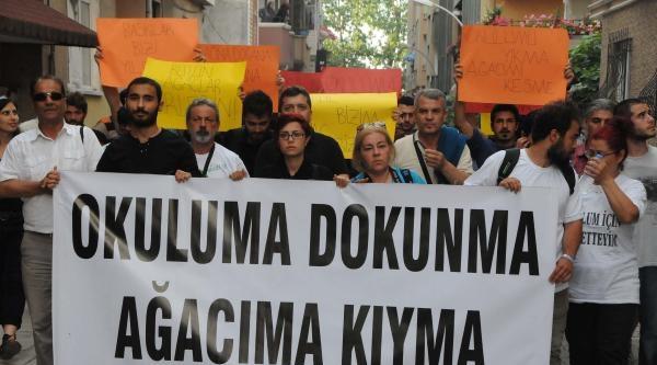 Cami Yapımı İçin Okulun Kapatılması Kararı Protesto Edildi