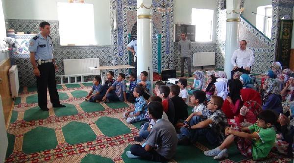 Camide Çocuklara Trafik Eğitimi