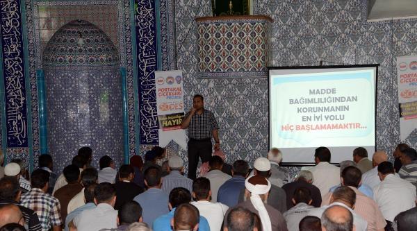 Camide Cuma Namazı Uyuşturucunun Zararları Anlatıldı