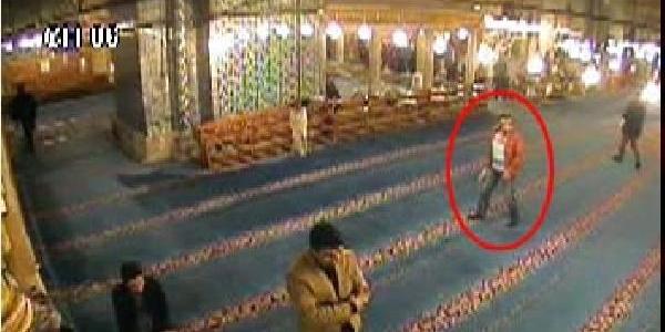 Camide Hirsizlik Güvenlik Kamerasinda