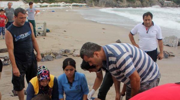 Can Kurtaranlar 2 Genci Karadeniz'in Azgın Sularından Kurtardı