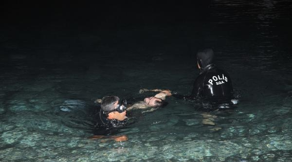 Can Simidiyle Denize Açılan Genç Boğuldu