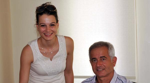 Çanakkale Belediyespor'da Ebru İmzaladi