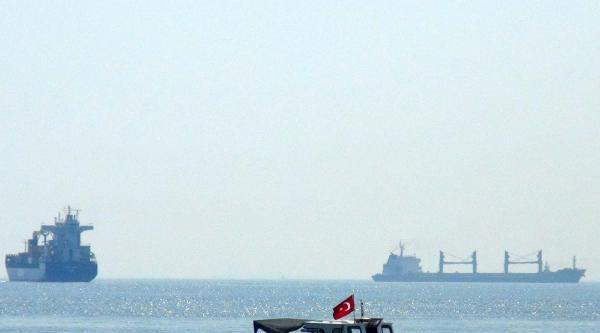 Çanakkale Boğazı'nda Kuru Yük Gemisi Arızası