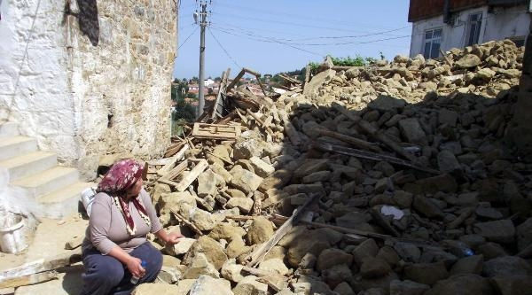 Çanakkale, Deprem Paniğini Atlattı - Ek Fotoğraflar