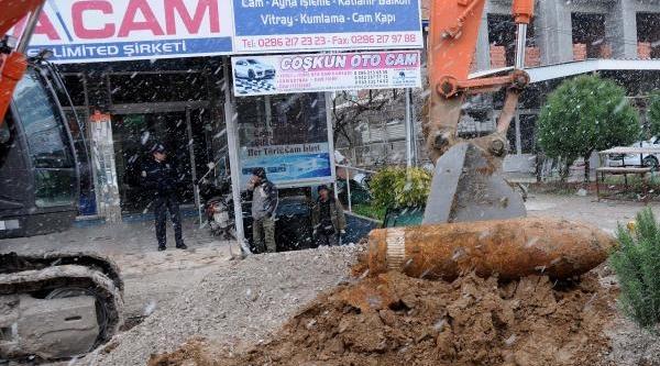 Çanakkale'De Patlamamiş Obüs Mermisi Bulundu