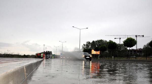 Çanakkale'de Sağanak Yağmur