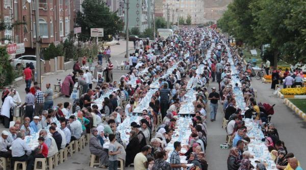 Çankiri Belediyesinden 9 Bin Kişi İftar Yemeği