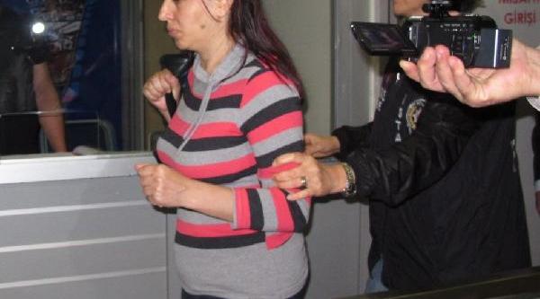 Canli Yayinda Gözaltina Alinan Sevda Asayiş Şubesine Getirildi