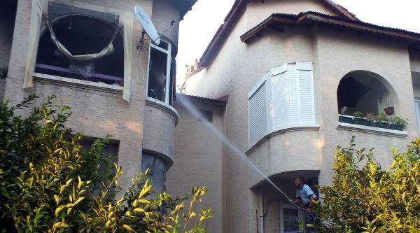 Çati Katındaki Yangın Apartman Sakinlerini Korkuttu
