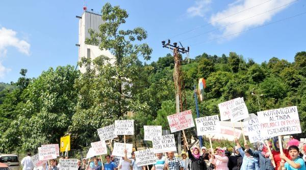 Çayeli Bakır' A 'dinamit Patlatma' Protestosu