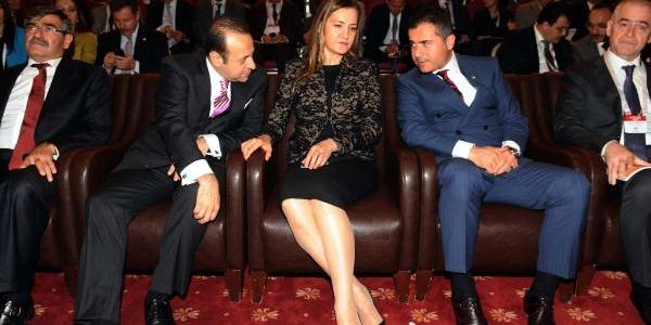 Cebit'te Bakanlarin Gündemi Galatasaray'in Galibiyetiydi