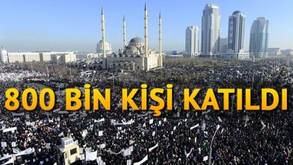 Çeçenistan'da Charlie Hebdo karşıtı yürüyüş