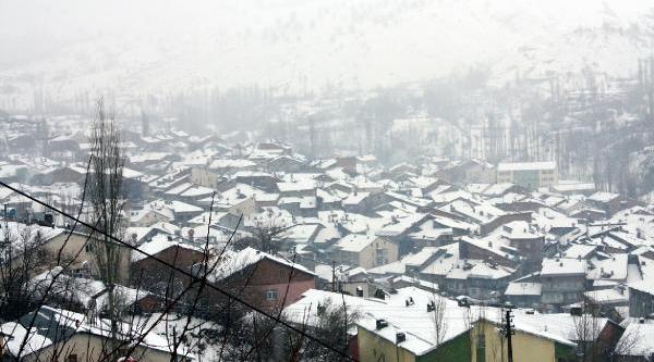 Çelikhan'da Köy Okullarina Kar Tatili