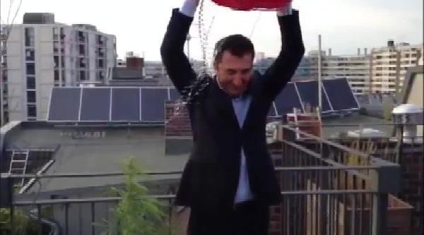 Cem Özdemir'den Hint Kenevirli Ice Bucket Challenge