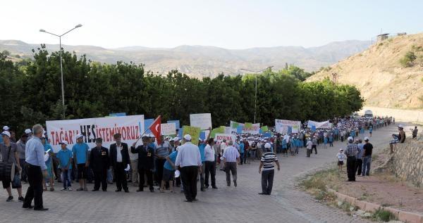 Çemişgezek'de Hes'e Karşı Protesto Yürüyüşü
