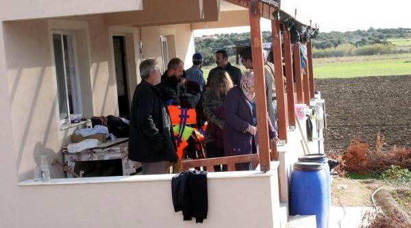 Çeşme'de Kaçaklari Taşiyan Tekne Batti (Ek Fotoğraflar)