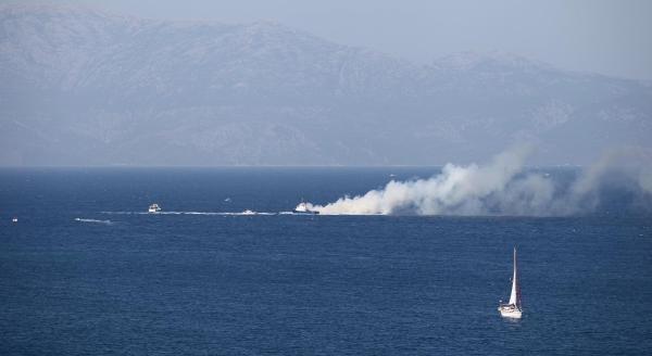 Çeşme'de Tekne Yangını (2)
