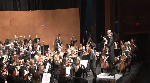 Çetin Emeç'e Saygı Konseri Düzenlendi