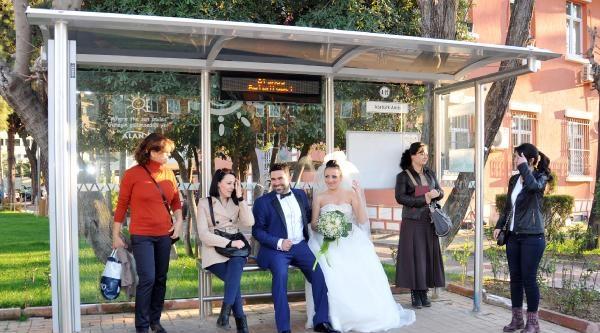 Çevreci Çift Düğünlerine Halk Otobüsüyle Gitti