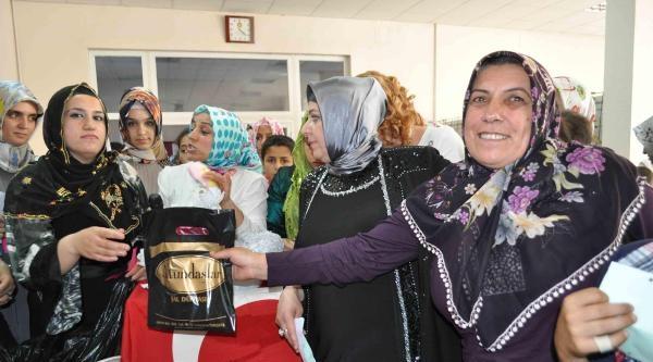 Ceylanpınar'da Anneler 'anneler Günü' İçin Bir Araya Geldi