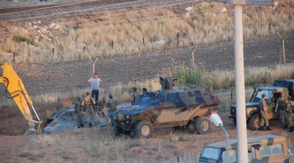 Ceylanpınar'da Askeri Araç Devrildi: 2 Yaralı (fotoğraf)