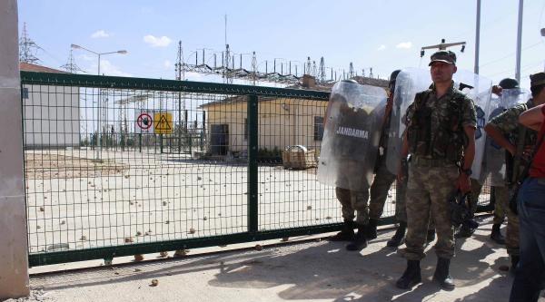 Ceylanpınar'da Kesinti Gerginliğinde Asker Havaya Ateş Açtı