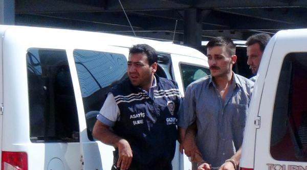 Cezaevinden İzinli Çikti, Kız Kardeşini Öldürdü