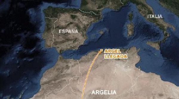 Cezayir Havayollarına Ait Uçak Çöle Düştü (2)