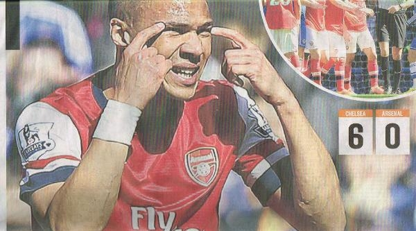 Chelsea-arsenal Maçında Yanlış Oyuncuyu Atan Hakem İçin  İngiliz Basını Aynı Manşeti Attı: