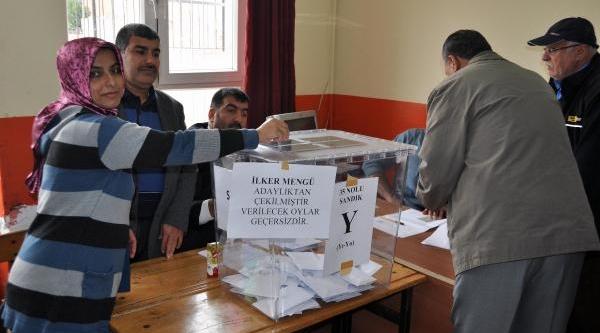 Chp Adana Merkezde 11 Bin Üye Ile Temayül Yoklamasi Yapti