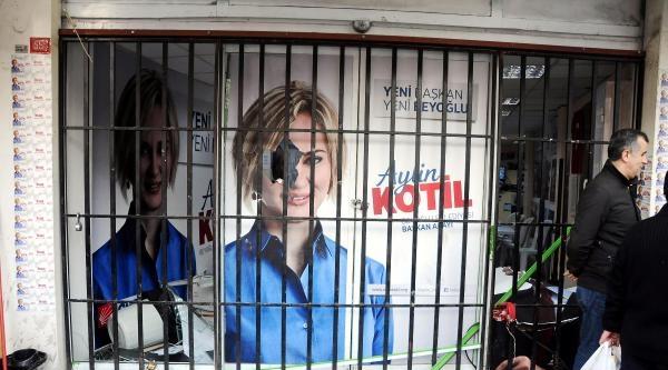 Chp Beyoğlu Seçim Koordinasyon Merkezine Taşlı Saldırı