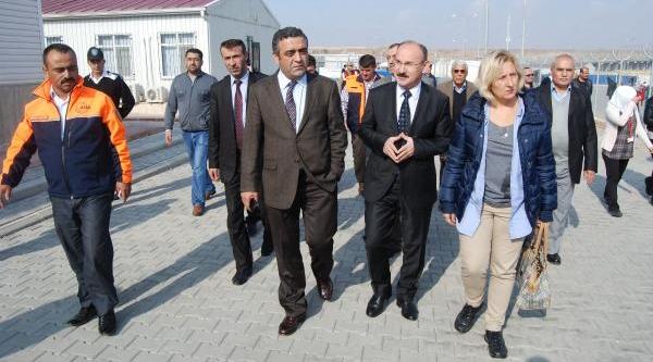 Chp Heyeti, Nizip'te Suriyeliler'i Ziyaret Etti