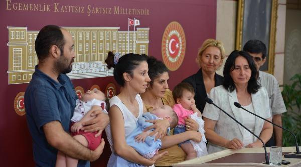 Chp Ve Hdp'den Bebekleri İle Cezaevine Girmek İstemeyen Annelere Destek