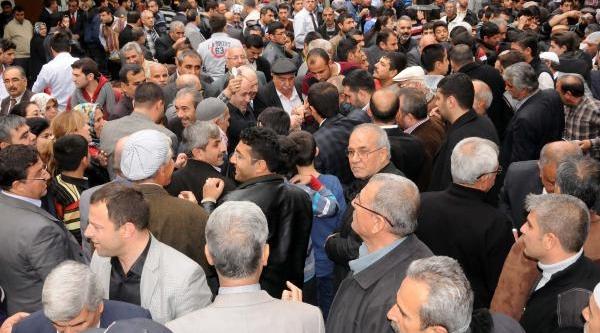Chp Ve Mhp Teşkilatlari Gaziantep'te Aşure Dağitti