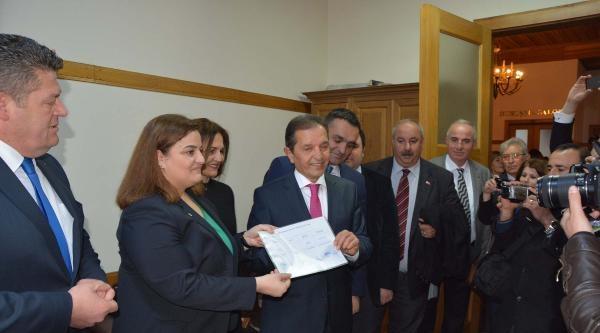 Chp'li Belediye Başkanı Baki Ergül Mazbatasını Aldı