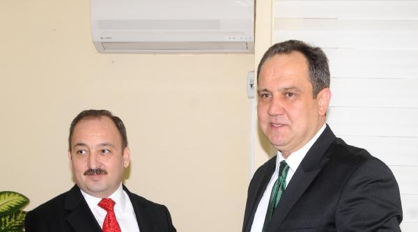 Chp'li Giresun Belediye Başkanı Aksu Mazbatasını Aldı