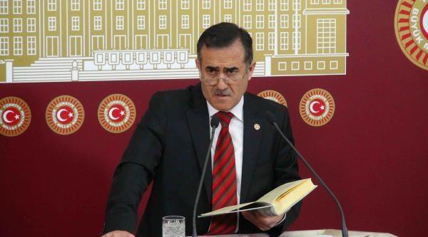 Chp'li İhsan Özkes Meclis'te Bakara Suresini Okudu
