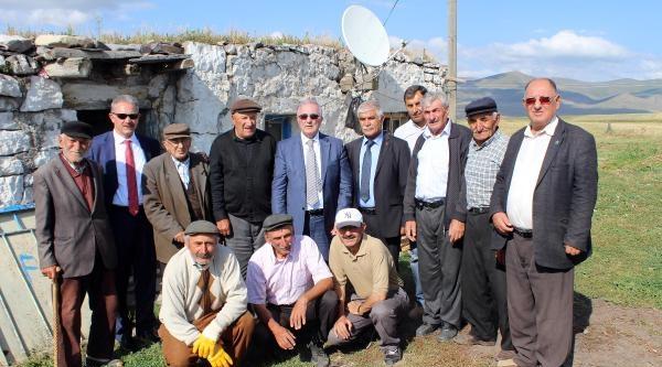Chp'li  Öğüt, Kaçırılan Başkonsolosun Köyü'nde Sordu: Neredeler?