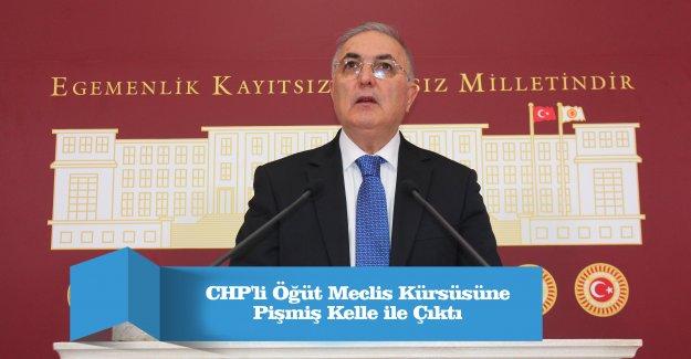 CHP'li Öğüt Meclis Kürsüsüne Pişmiş Kelle ile Çıktı
