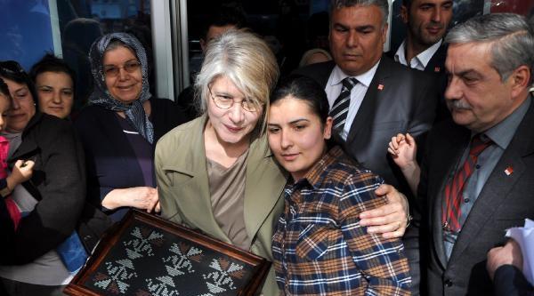 Chp'li Tarhan: Başbakan Savaş Suçları Mahkemesinde Yargılanacak