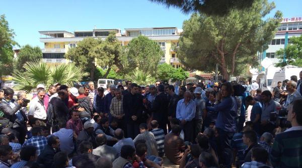 Chp'liler, Sessiz Eylem Yapan Madencileri Ziyaret Etti