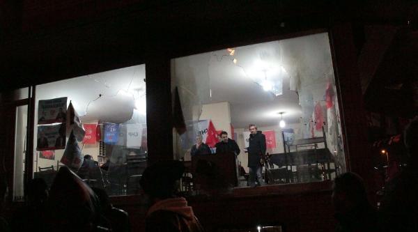 Chp'nin Seçim İrtibat Bürosuna Molotoflu Saldırı