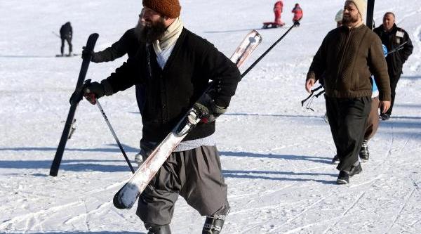 Cibiltepe'de Şalvarli Kayakçilar