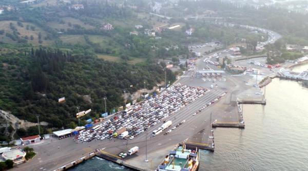 Çileye Dönüşen Bayram Trafiğinde, Şimdi De  Dönüş İçin Çözüm Aranıyor