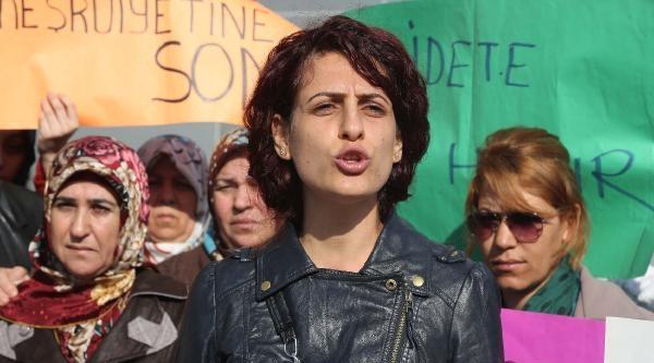 Cinayet Suçlamasıyla Yargılanan Eşe Kadın Tepkisi