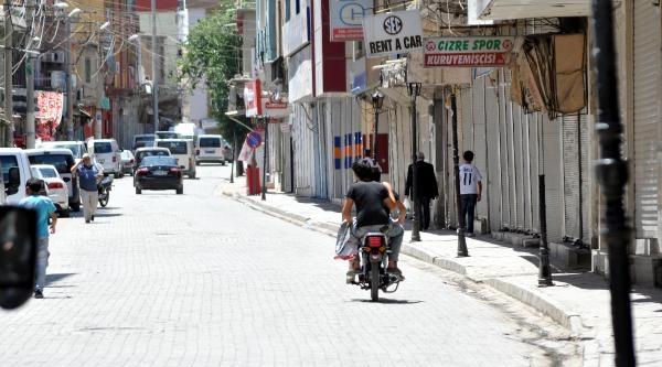 Cizre, Silopi, Nusaybin'de Kepenkler Açılmadı